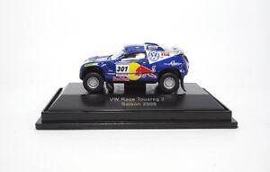 452547300-Schuco-VW-Race-Touareg-2-034-Red-Bull-034-25473-1-87