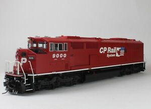 Bowser-SD40-2F-with-DC-Canadian-Pacific-CP-Dual-Flags-9000