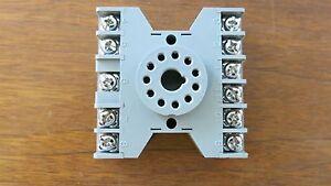 IDEC  SR3P-06 Relay Socket