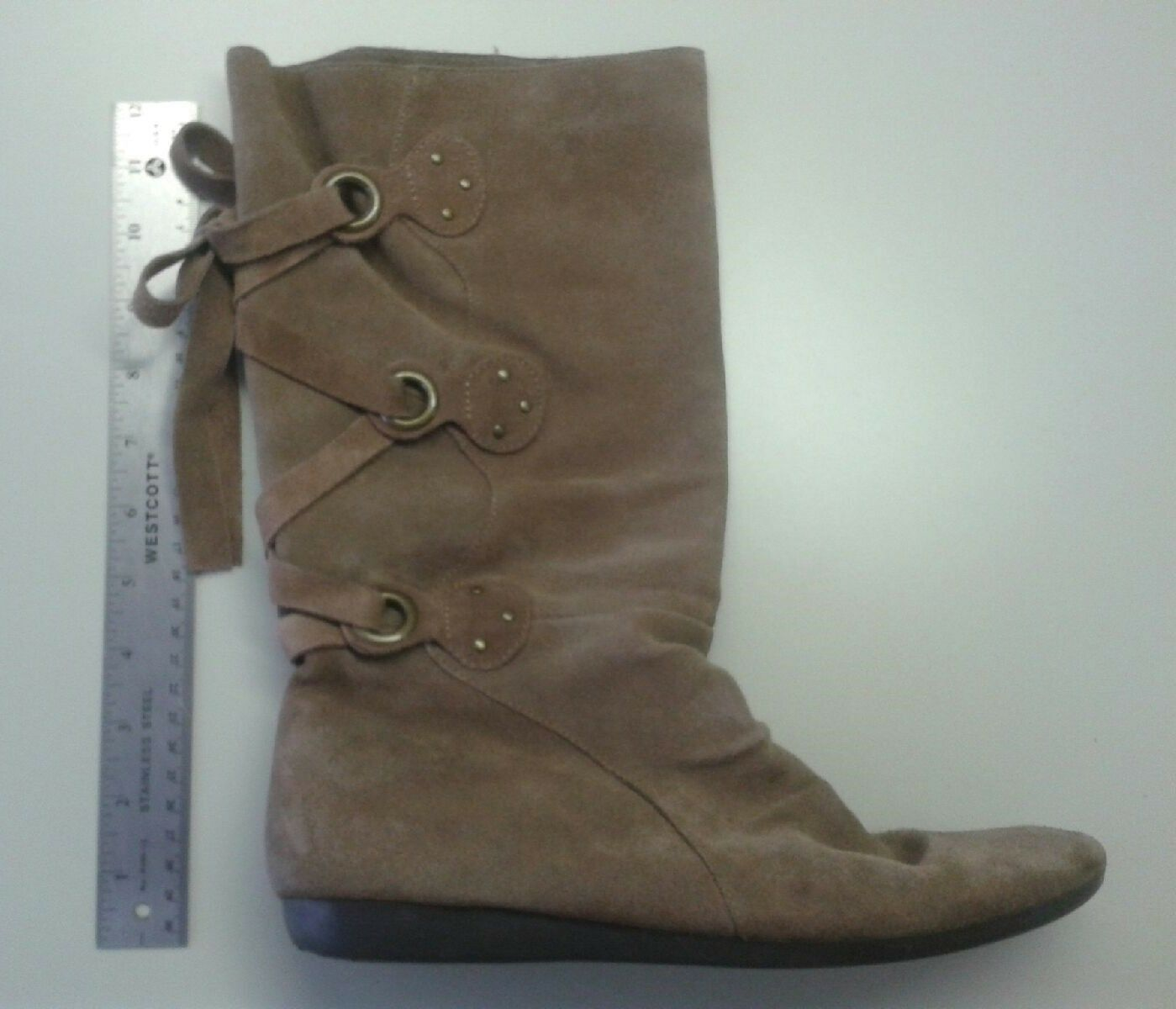 Comfy! White Mountain Genuine Suede Flat Boots Lace Up Back Detail Sz 9