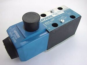 Vickers DG4V-3-2A-M-U-D6-60 Reversible Hydraulic Directional Control Valve T46