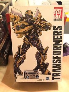 Hasbro Transformers Generations, Bumblebee Action Figure - À la main!