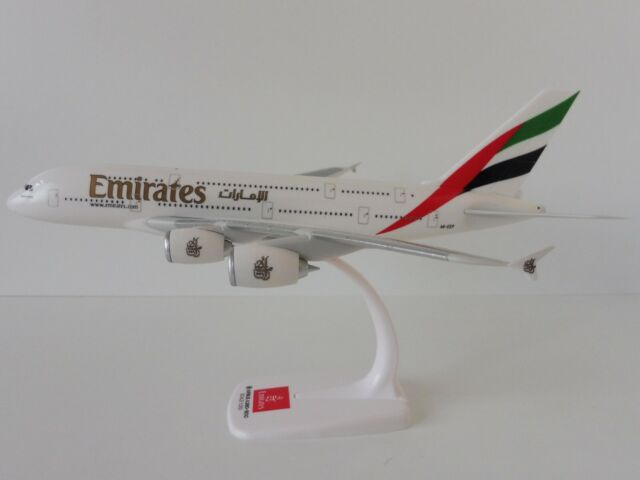 EMIRATES Airbus A380-800 1/250 Herpa Snap Fit 607018-001 A380 A6-EEP DUBAI DXB