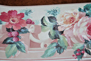 Red-Pink-Rose-Flowers-amp-Berries-on-Scroll-Shelf-Floral-Wallpaper-Border-W1245