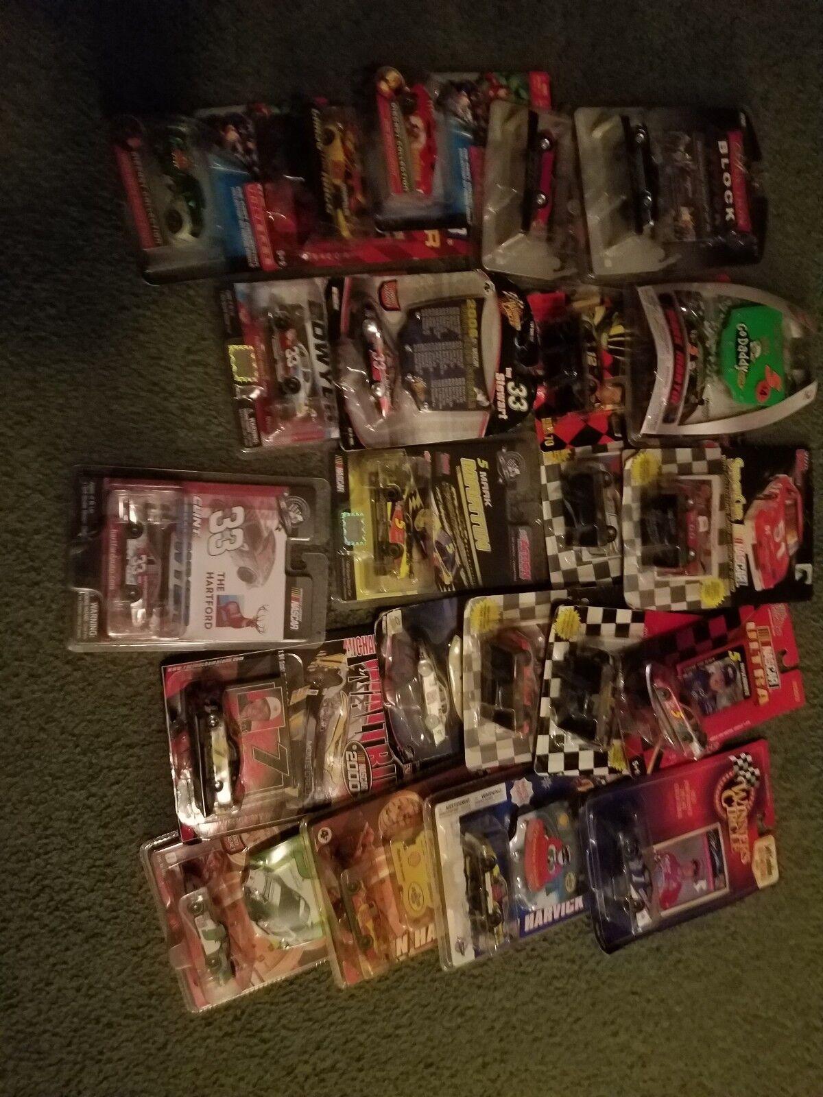 NASCAR Lot 1 64Th ERE sont de 22 voitures toutes Au cas où les 1 64 fourchettes de pilotes