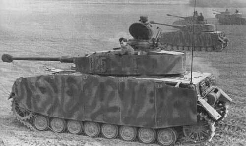 WWII Photo German Pzkpfw IV Eastern Front WW2 Germany World War Two Wehrmacht
