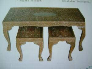 Conjunto-de-tres-mesas-auxiliares-talladas-en-nogal-macizas