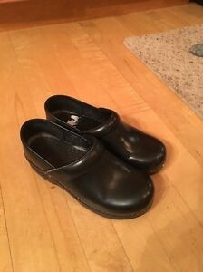 DANSKO Black Oiled Leather Slip On Comfort Work Clogs, Women's Euro 37 EUC