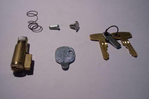 Rahmen Schloss Lenkerschloß Suzuki VS1400 VS800 VS600 VZ800 VL1500 VL125 NEU