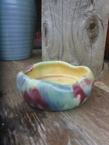 VINTAGE-AUSTRALIAN-MULTI-COLOURED-POTTERY-ASHTRAY-10CM-DIAMETER
