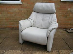 Himolla cumuly manual reclining chair in large size.303