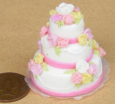 Échelle 1:12 rose /& blanc 3 niveaux gâteau de mariage tumdee DOLLS HOUSE PARTY ACCESSOIRE S