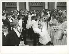 UNUSUAL WEDDINGS HAPPY BRIDE + GROOM ORIGINAL VINTAGE 8X10 BW PHOTO