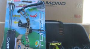 NEW-2019-Diamond-Archery-Atomic-Youth-Compound-Bow-RH-CAMO-Package-CASE-Release