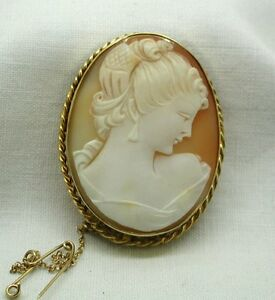 Beautiful-Vintage-9ct-Gold-Mounted-Carved-Cameo-Brooch