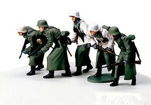35256-Tamiya-German-Assault-Infantry-Winter-1-35th-Plastic-Kit-1-35-Military