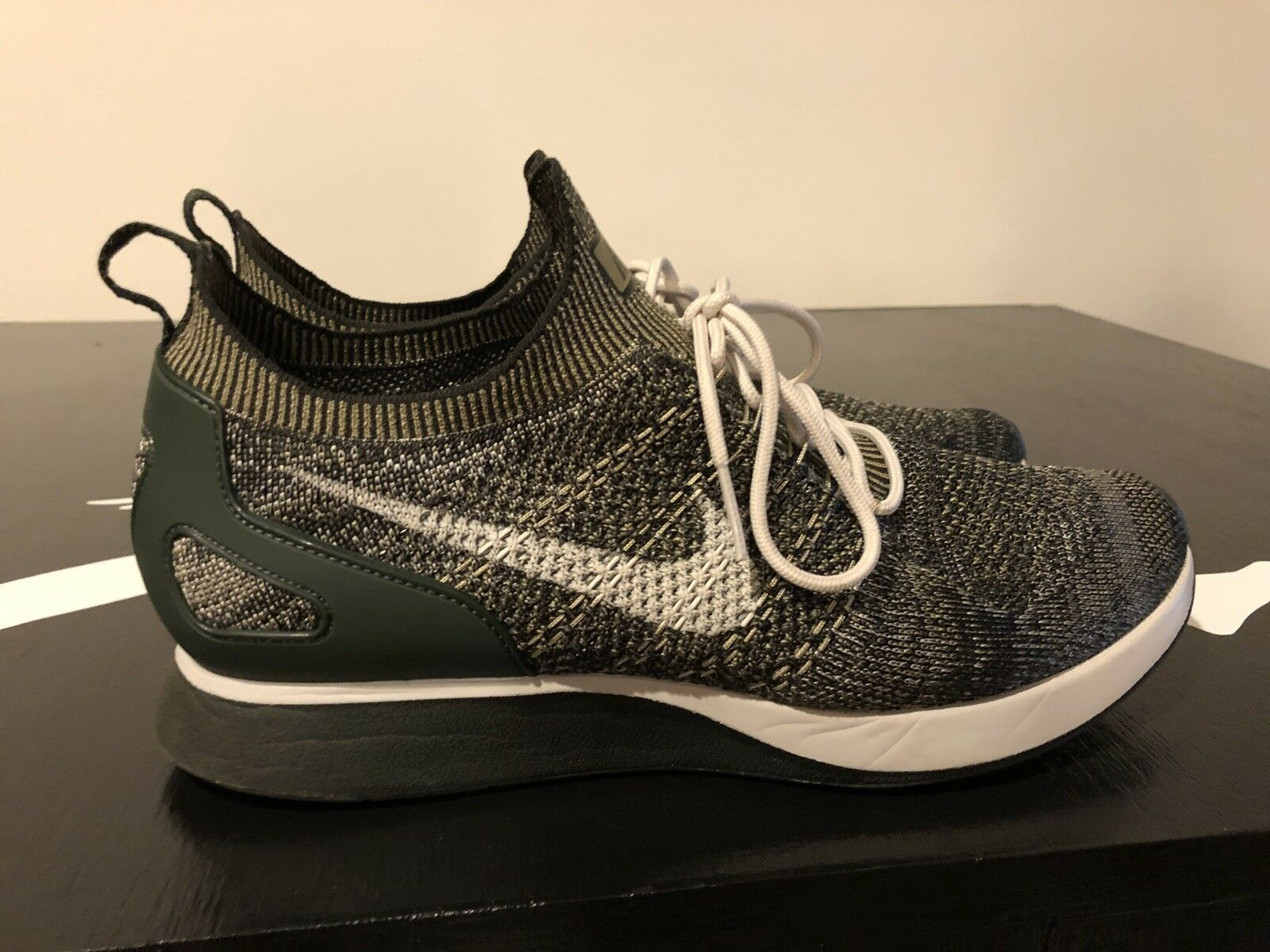 Pre Owned Nike 9/10 Air Fly knit Mariah Racers Olive 9/10 Nike Sz 11 2c0b10