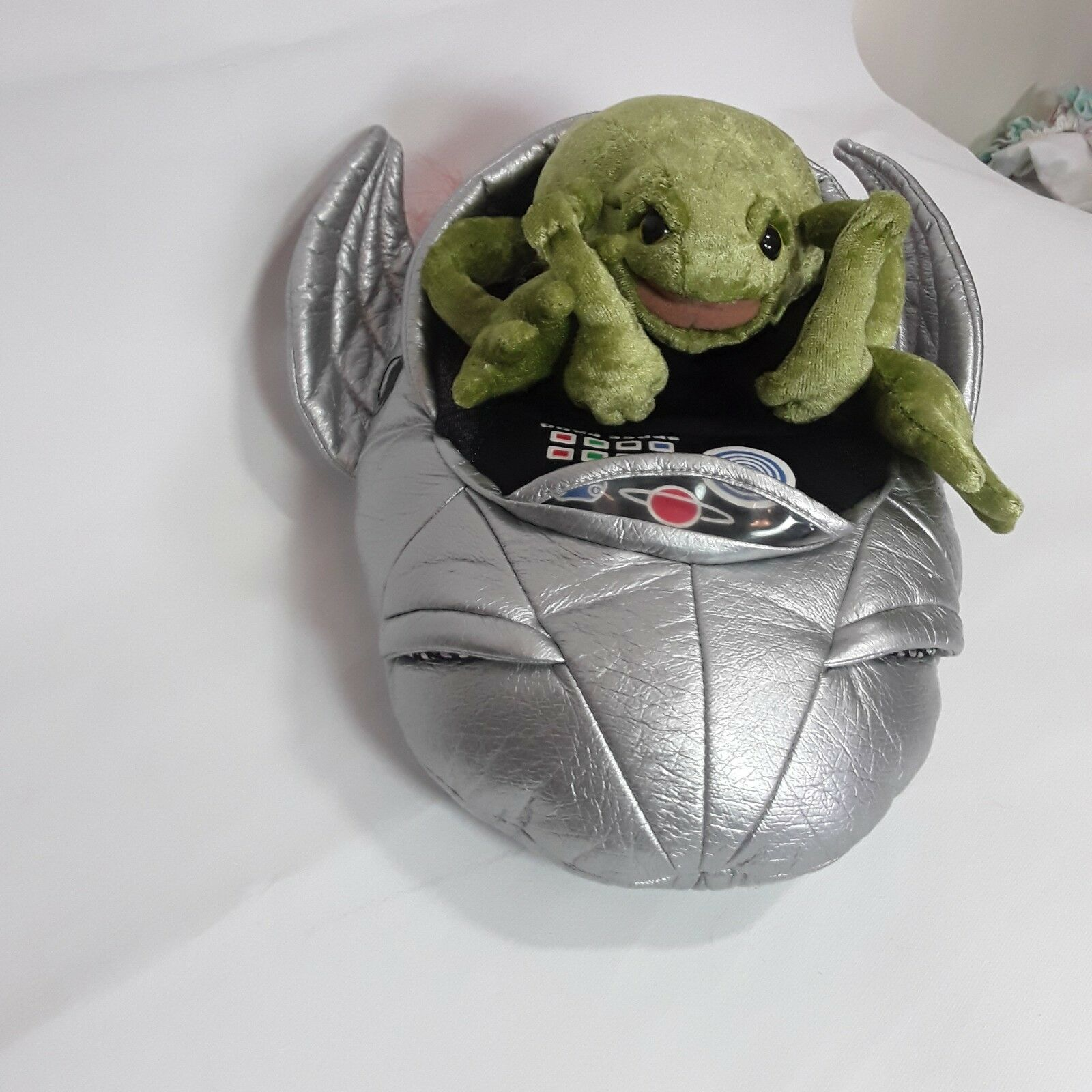 Folkmanis Space Frog Alien Alien Alien in Spaceship Flying Car Hand Puppet 12  long 8dd369