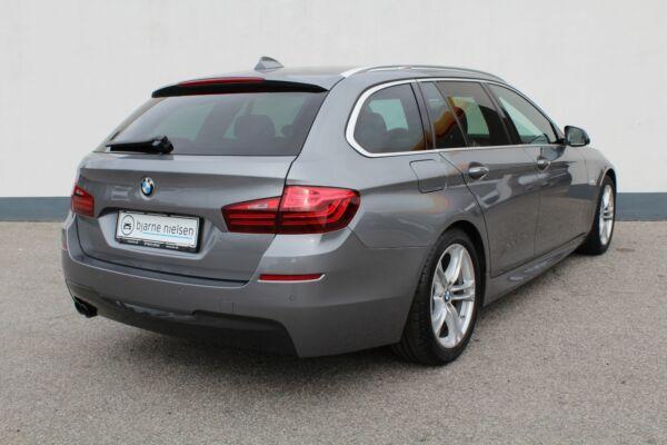 BMW 520d 2,0 Touring M-Sport aut. - billede 2