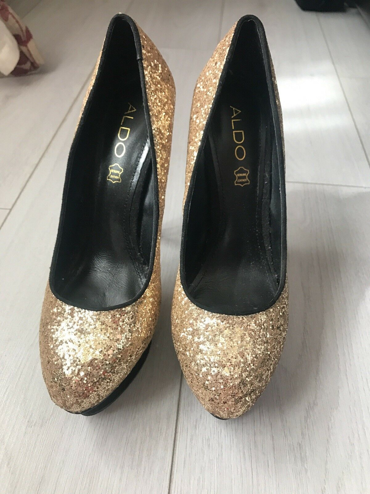 ALDO chaussures 5 and Clutch