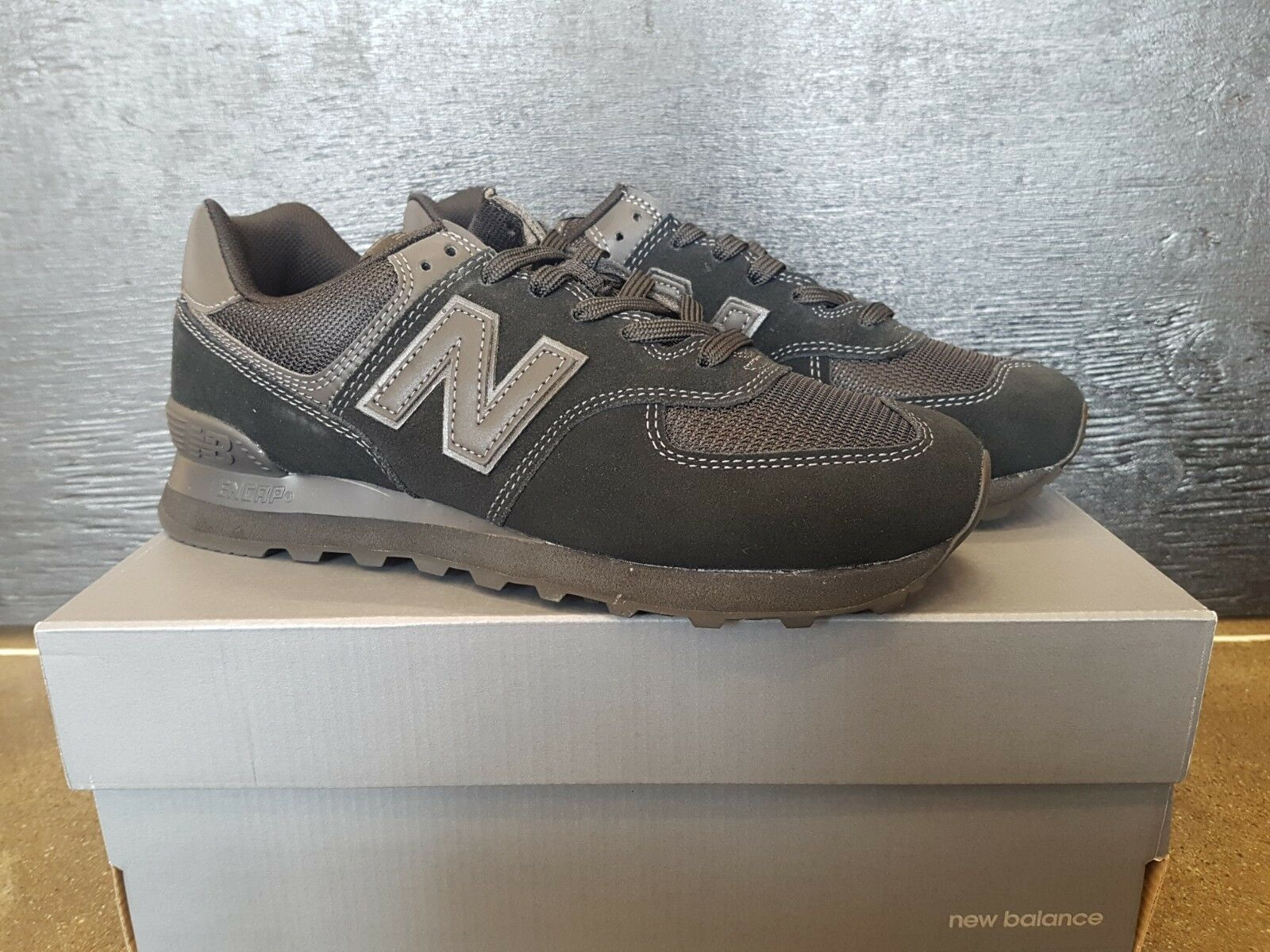NEW IN THE BOX NEW BALANCE ML574ETE CLASSICS SHOES ALL BLACK FOR MEN