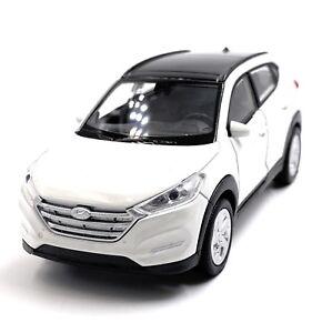 Hyundai-Tucson-SUV-Modellino-Auto-Bianca-Auto-Scala-1-3-4-Licenza