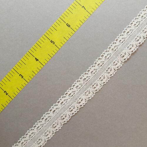 /'SERENITY/' Cream double-edged lace trim