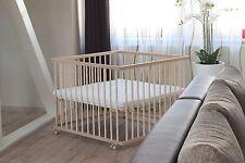 Baby Laufgitter Laufstall Holz 100x100, höhenverstellbar + Träumeland Matratze