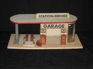 P833 Garage Station-service Majolu Bois