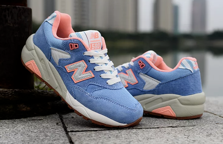 New Balance 580 580 Balance Seaside Hideaway Damens's Größe 5 Sneakers Light Blau WRT580RB NEW aea984