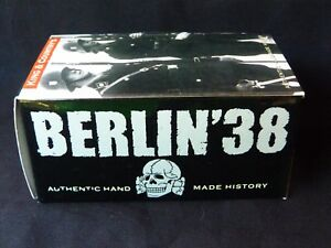 King & Country Retired - Lah025 Berlin 1938 Presenting Arms Présentez Armes