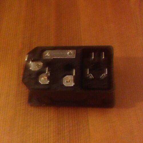 1 X Zócalo de alimentación machos de entrada con fusible Interruptor 10A 250V 3 Pin IEC320 totalmente Nuevo