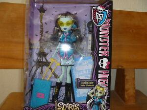 2012 Monster High Poupée Frankie Stein Fille Od Frankenstein!!!-afficher Le Titre D'origine La Qualité D'Abord