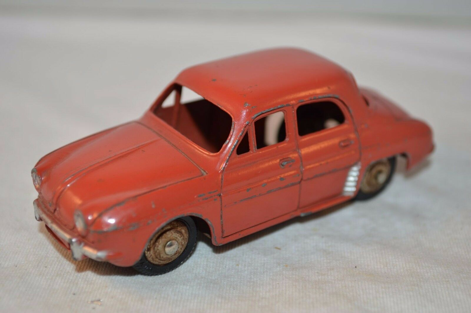 Dinky Toys 24 E Renault Dauphine red excellent plus all all all original condition 296160