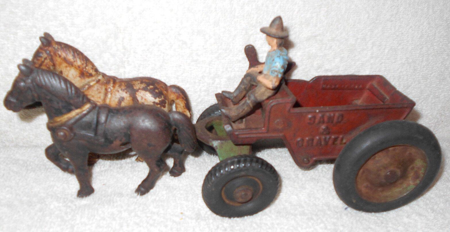 10 hierro fundido en Kenton Arena & grava Dump Vagón con dos caballos dibujado y controladores
