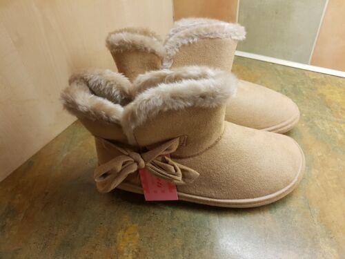 Jyoti Nicolette Femmes Faux Daim Fourrure Chausson Pantoufles couleur sable taille UK6