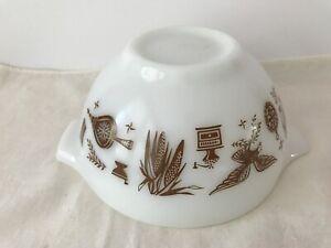 Vintage-Pyrex-441-Cinderella-Mixing-Bowl-1-1-2-PT-Eagle-American-White-amp-Brow