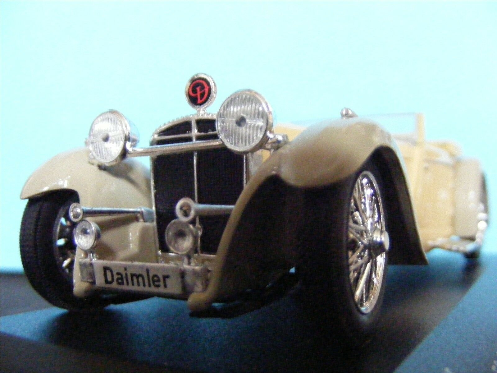 Daimler (GB) doble doble doble Six12cyl Converdeible un modelo de coleccionistas 1 43RD SC. blancobox 02974b