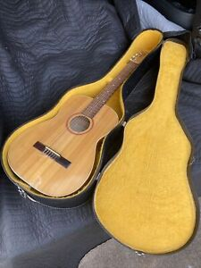 Goya G-10 Vintage Classical Guitar with Case Beautiful Gg-10
