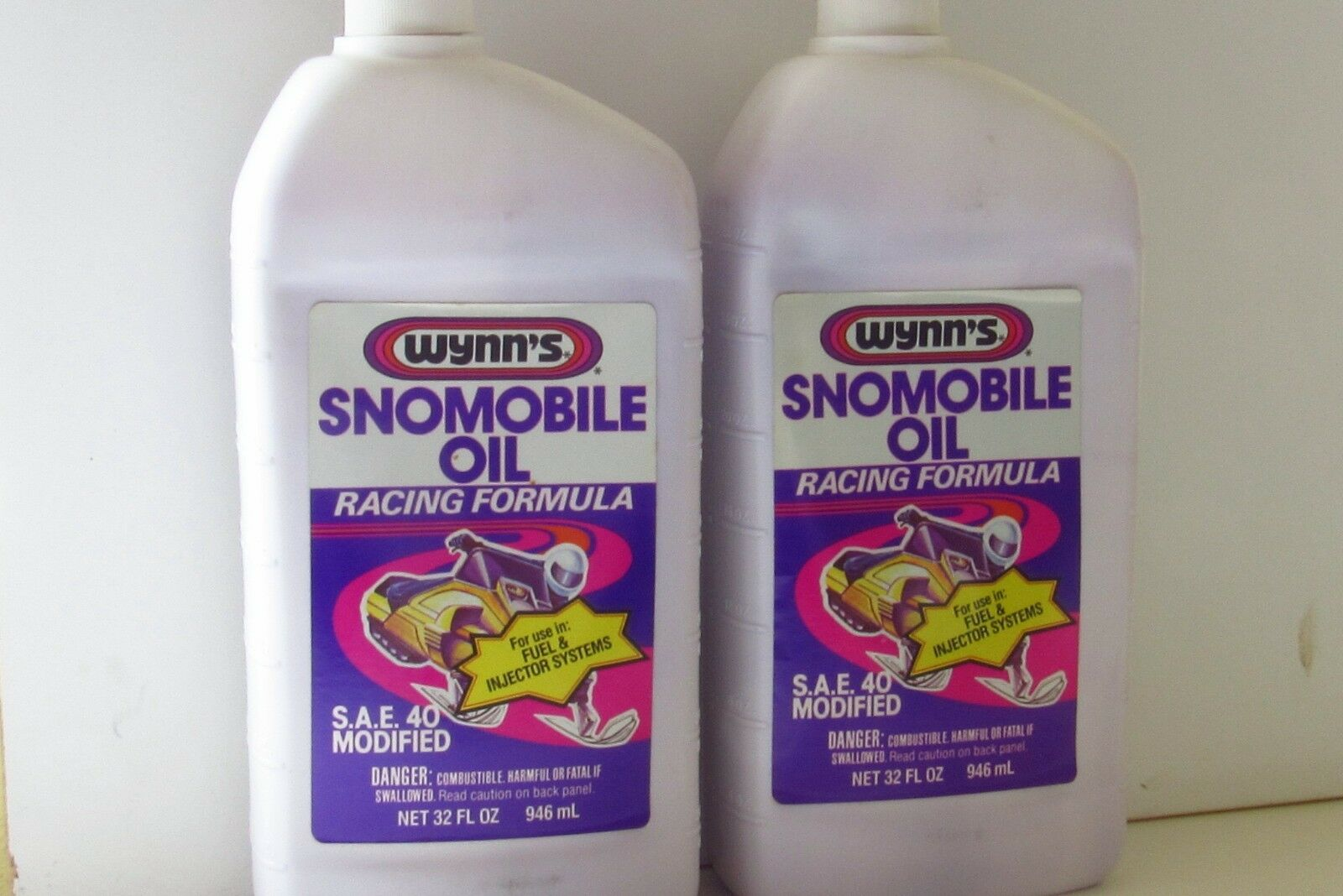 (2) Wynn's Snowmobile Oil Racing Formula SAE 40 Mod. 32oz PL. Bottles Snomobile