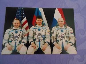 Sojus TMA-4  Crewphoto original signiert Space