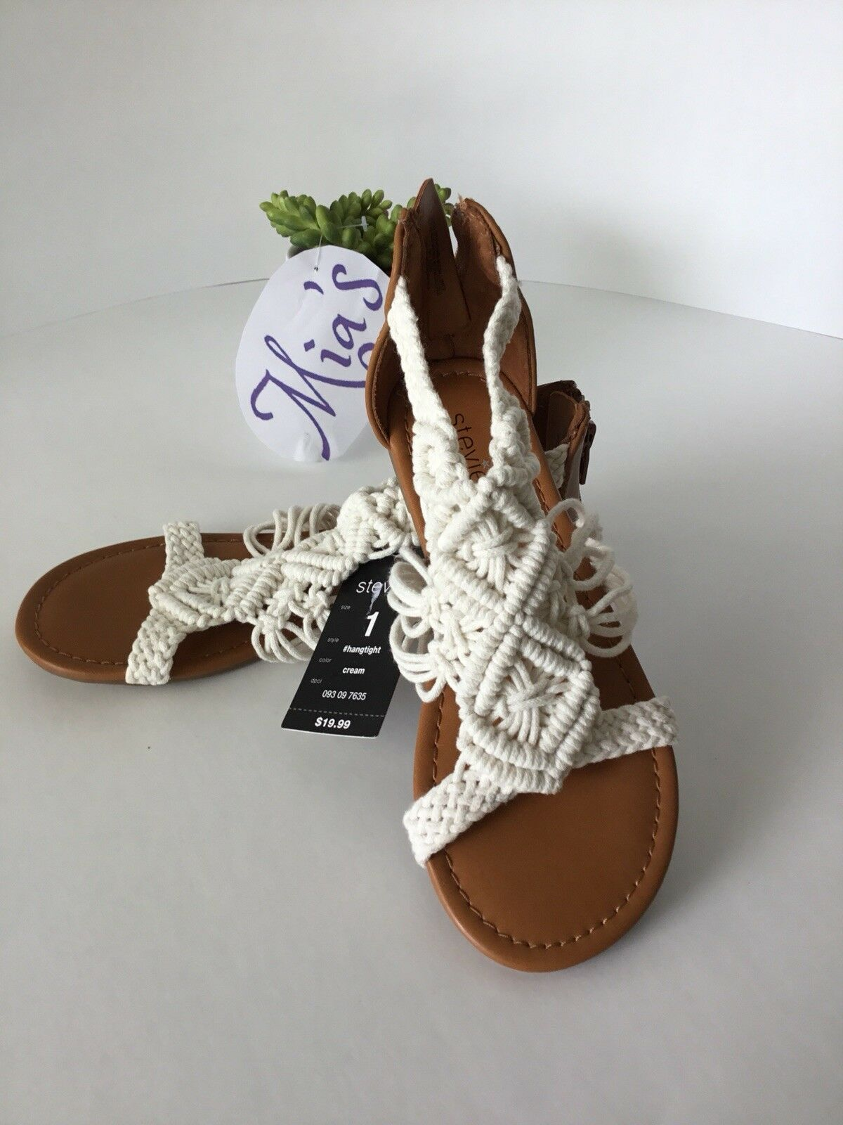 Shoes Stevies For Women Or Gird Size 1 Bordar. Color Beich And Brown, Bordar. 1 aee74d