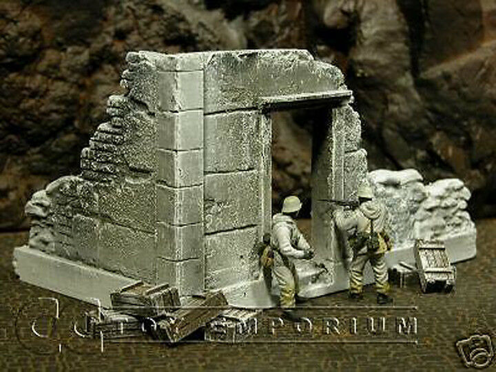 RETIRED  Build-a-Rama 1 32 Hand Painted Government Ruin - Winter