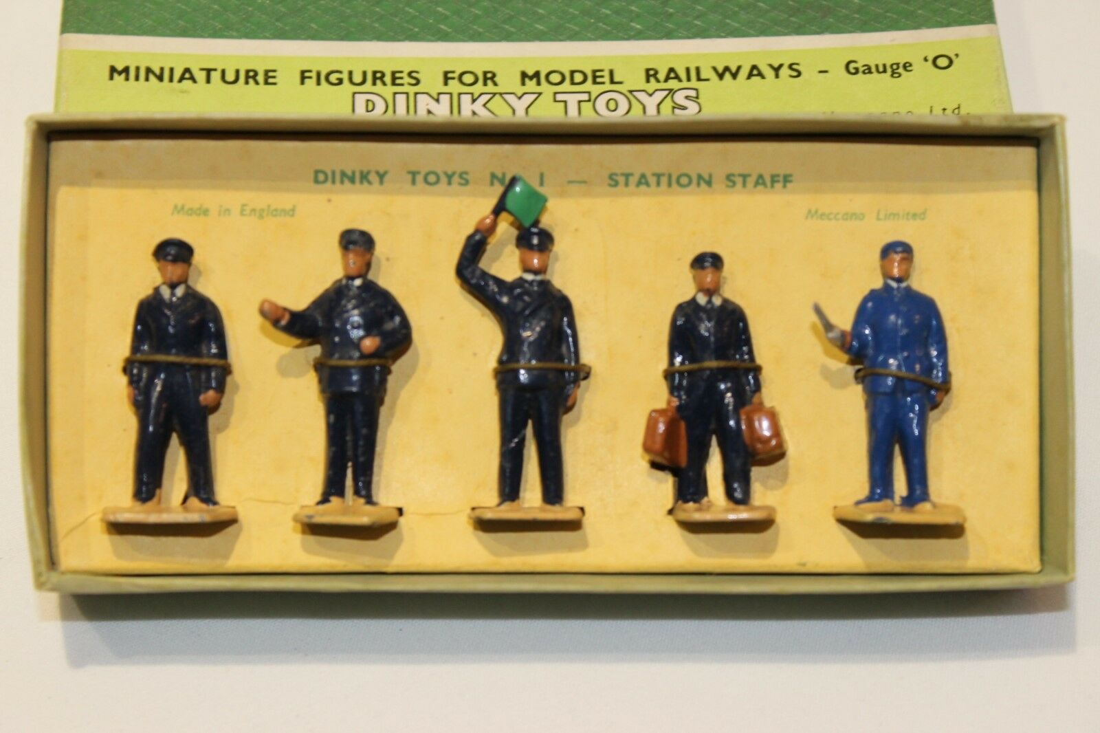 Dinky Toys No 1 Station Staff