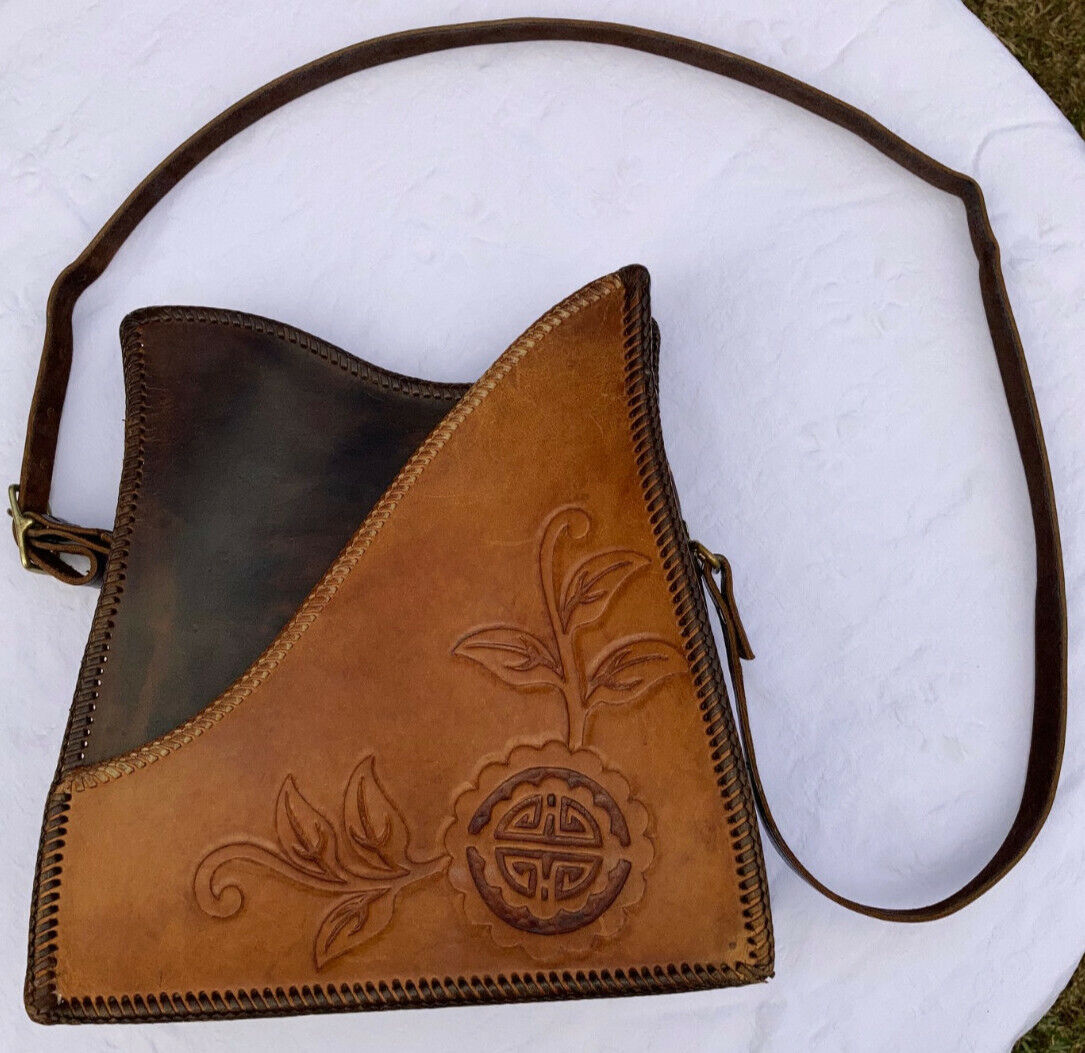 Vintage Leather Purse. Handmade Tooled Leather. Brown.Crossbody.Serious Hippy 3
