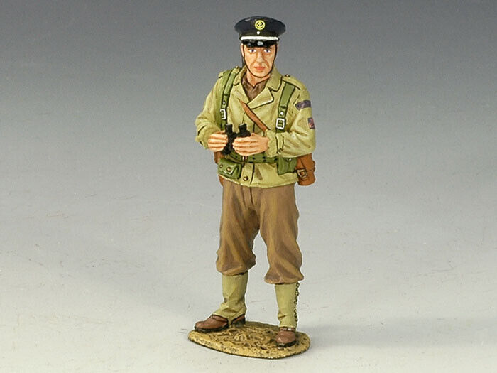 KING AND COUNTRY DD102 - FUSILIER MARINS OFFICER - WWII D-DAY 1 30 SCALE