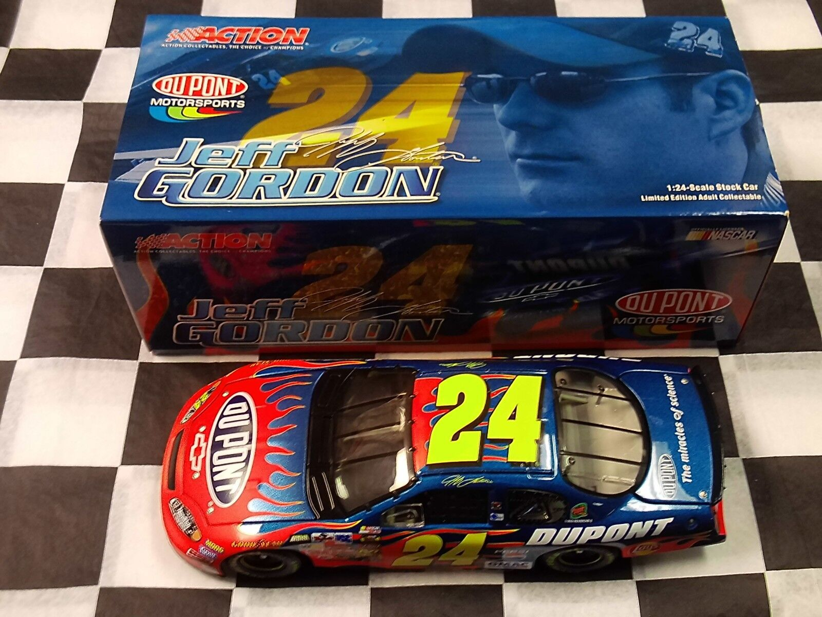 Jeff Gordon Dupont 2004 Monte Carlo acción 1 24 Escala coche Nascar 105460