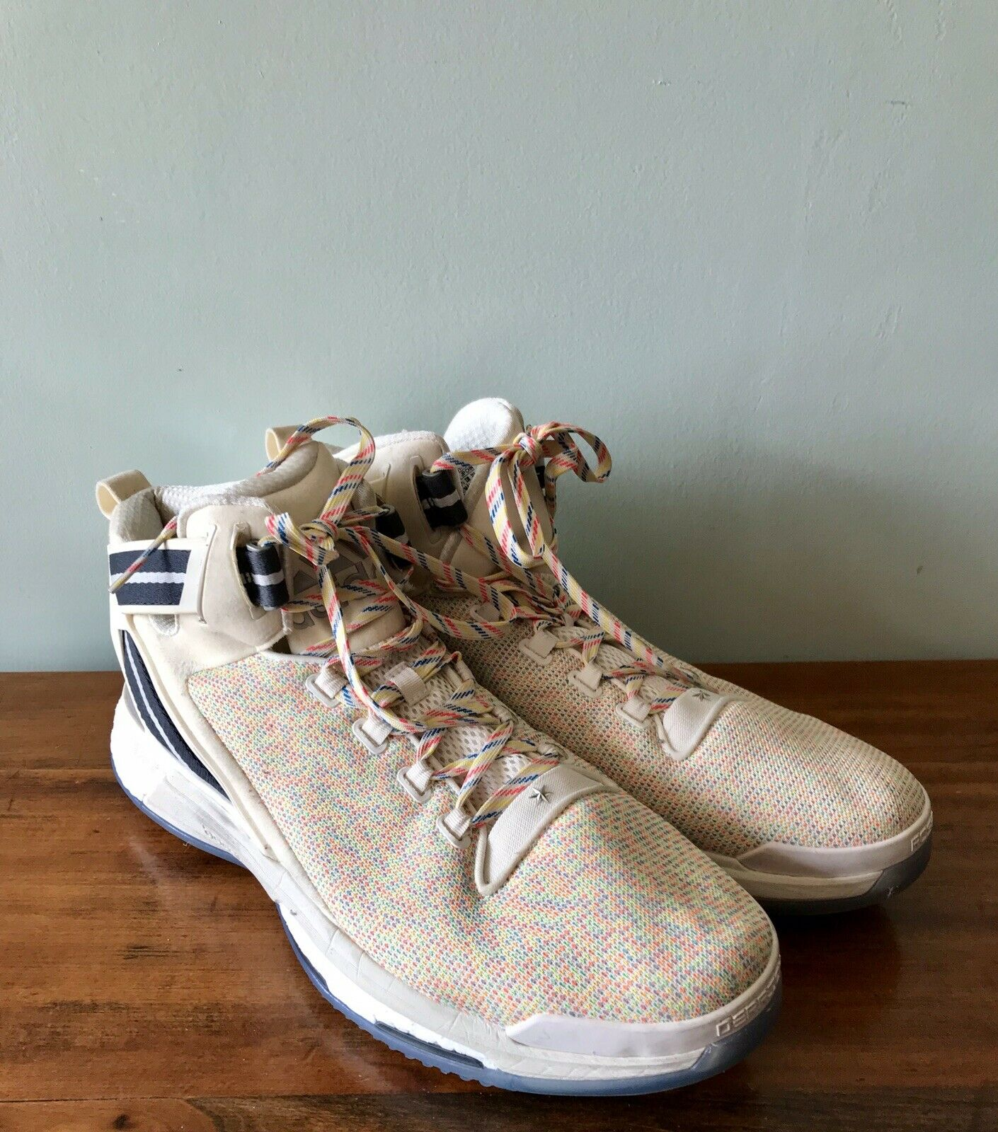 Adidas Men's Basketball shoes Size 15 Derrick pink Boost White