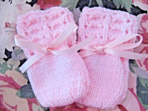 LOVELY HAND KNITTED BABY MITTENS IN PINK SIZE NEW BORN 6