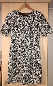 H M Black   Off White Leopard Print Jersey Fitted Dress Size 16 BNWT ... 4e77cf11c
